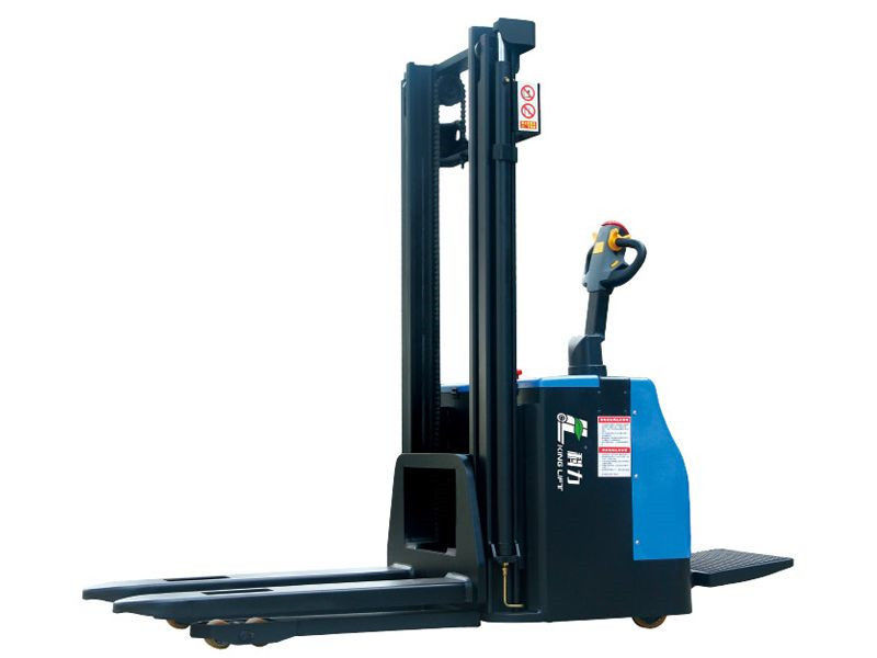 Pedal Operation Electric Stacker Truck 2 Ton High Capacity 4.5m Lifting